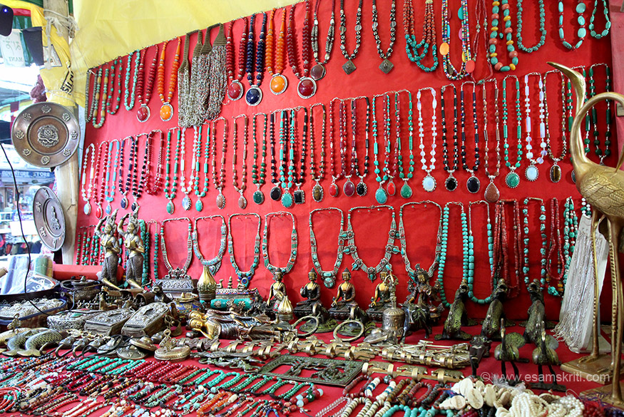 This shop is again run by a Tibetan lady named Tenzin. Bought ear rings for my wife who loved them so much, she said Yeah Dil Mange More. Tenzin number is 91 9622156800. She is also