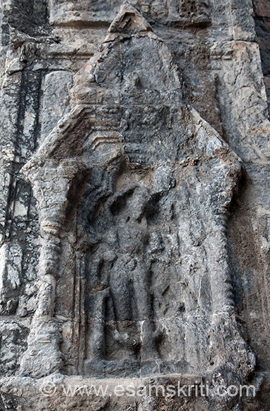 The temple has a mandapa, vestibule and inner sanctum. There are images of Ganga, Yamuna and Vishnu on its inner walls. Since these are part of Mandapa this and next image is that of Bhagwan Vishnu per Dr R Kumaraswamy whose article u can read in next caption.