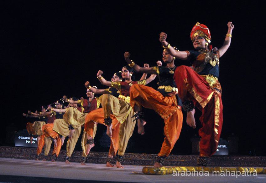 "Loved this pic. To see Kuchipudi dance by famous Reddy sisters at Elephanta Festival  <a href=""http://www.esamskriti.com/photo-detail/Elephanta-Festival.aspx"" target=""_blank"">Click here</a>"