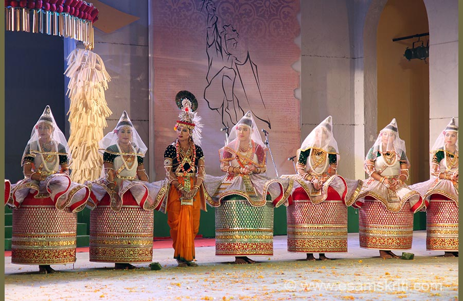 "U see Krishna with Gopis at end of performance. Lower garment of Gopis is called POTLOI as stated earlier. Top garment is KOKTUMBI. Imphal has good hotels. Hotel Nirmala 0385 2459014,2458904,<a href=""mailto:nirmalahotel@gmail.com""target=""_blank"">Click here</a>. Anand Continental 0385 2449422/23,<ahref=""mailto:hotel_anand@rediffmail.com"" target=""_blank"">Click here</a>Next to Anand is Apollo Hotel, both these are run by Punjabis u will get North Indian food.A 10 minute walk, close to Ima Market is a Marwari Thali place on 1st floor and fast food rest below where u get dhokla, dosa, puris, milk shakes very good stuff. These hotels cost between Rs 1300-2000/ a day for double rooms. For 4 star try CLASSIC Group hotels."