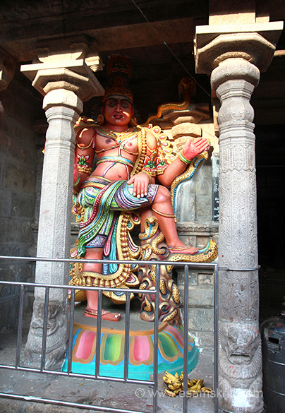 "Close up of dwarpal or doorkeeper. Images and gopurams recently painted so looked lovely. To read in detail about temple <a href=""http://temple.dinamalar.com/en/new_en.php?id=598