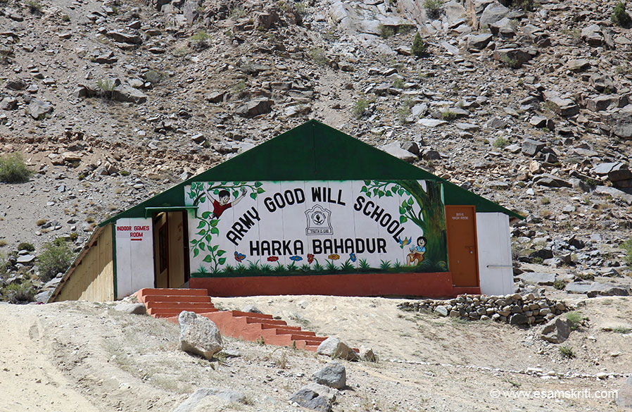 6 kms from Kargil is AGS Harka Bahadur. It is surrounded by mountains on all sides and a river flows below. When I entered school compound saw this beautifully painted