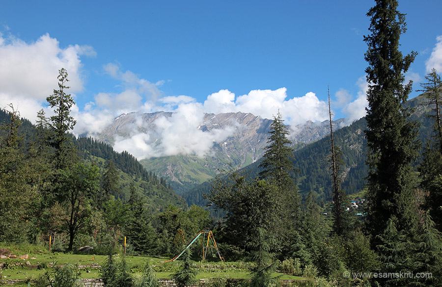 Solang Valley is 15 kms from Manali, takes about 30 minutes by local bus. It is quite a scenic drive along the river. Bus available from Mall road. It was lovely weather and scenic in August 2016. 
