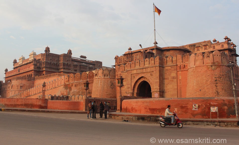 An overview of Junagarh Fort Bikaner. The first 13 pics are taken against the rising sun i.e. before 8am. Raja Rai Singh (1571 to 1611) built this impregnable unconquered fort. Unlike 
