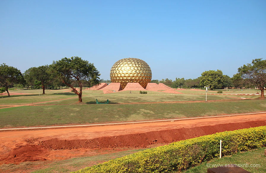 Visited Auroville in 2003 and now in January 2016. Happy to see it is still peaceful and serene. From Visitor``s Centre Matrimandir is about a 20 minute walk. In 2003