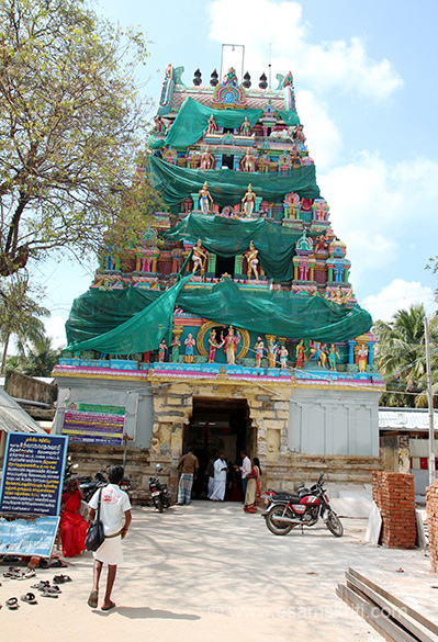 Temple near Kumbakonam. For some reason visited this temple even though driver and me married. Cannot recall why but glad we did. We visited in January 2016. U see entrance to temple is a small one but attracts large number of devotees. This is a 10th century Chola Temple.