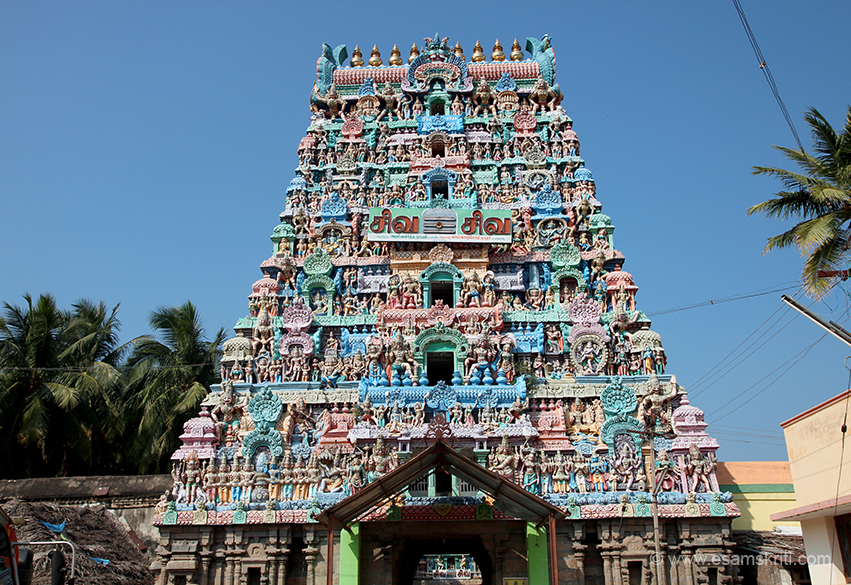 Temple has two front facing gopurams this and another. Some restoration work going on so we entered from other one.