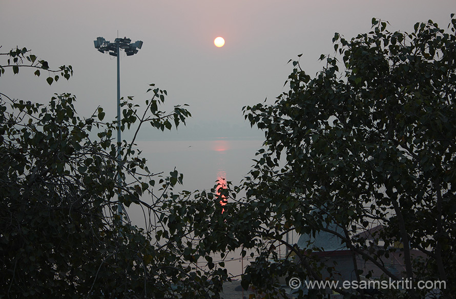 I visited Kashi in Nov 2013, stayed at a lodge near Assi Ghat. U see sunrise from my room balcony. Sunrise and sunset at Kashi are a treat to experience.