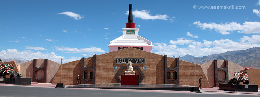 Front view Hall of Fame in Leh. It tells you about culture of Ladakh, key battles fought in 1948,1962,1965,1971 and 1999 with reference to the region, role of BRO in making roads, how Ladakh Scouts have done the nation proud, about Siachen Glacier and has a memorial /Shaurya Sthal where the martyrs names are inscribed on stone. U see entrance. Centre is image of Buddha.