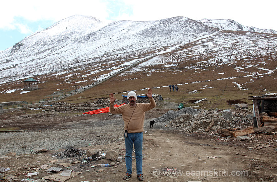 Had read a lot about the Mughal Road so decided to take it. From Poonch we drove back to Surankote, drove may be 7-10 kms thereafter before Mughal Road starts. U see me at highest point on Mughal Road. We did trip in October 2014.