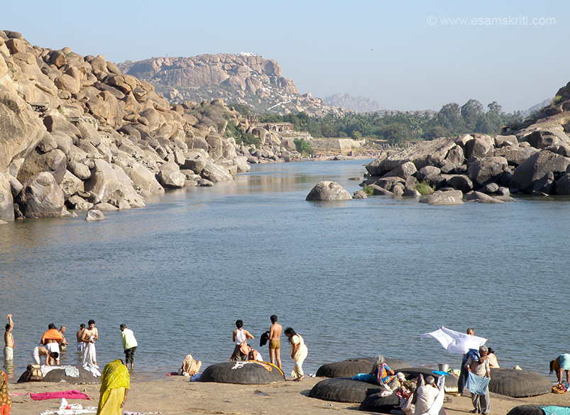U are on the banks of the holy Tungabhadra river. The hill u see straight in front of your pic is Anjanadri Hill birth place of Hanuman. The white structure is temple on top of hill. On the left of pic is the sacred Rishya-mukha hill. I missed clicking the 108 and 1008 linga that are there in a square area. If u have pic please mail me.