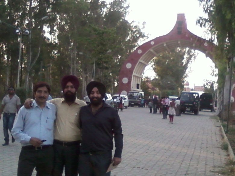 Border gate at Hussainiwala.
