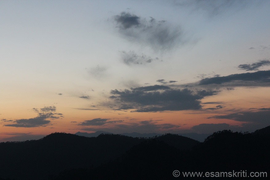 Another view of sun set. Strongly recommend Chaukori. It is about 1.5 hours drive from Bageshwar/Baijnath Temple which was our next destination. Make it your base point and travel