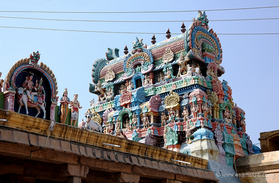 "Close up of upper part of gopuram near entrance to sanctum.  To read about temple <a href=""http://temple.dinamalar.com/en/new_en.php?id=677