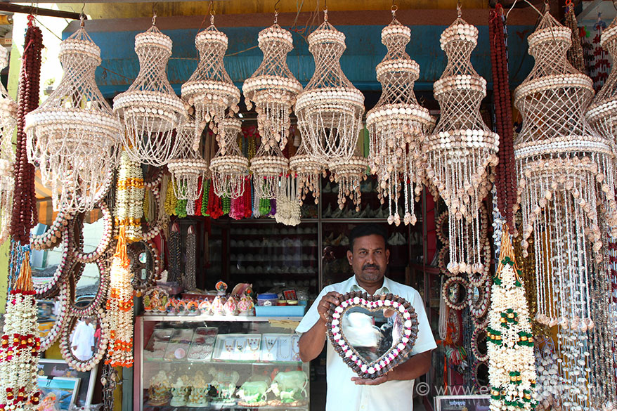 Shop selling products made of SHELL, located outside western temple entrance. Name Baskaran number 91 9965960874. Loved items on sale, very good person too.