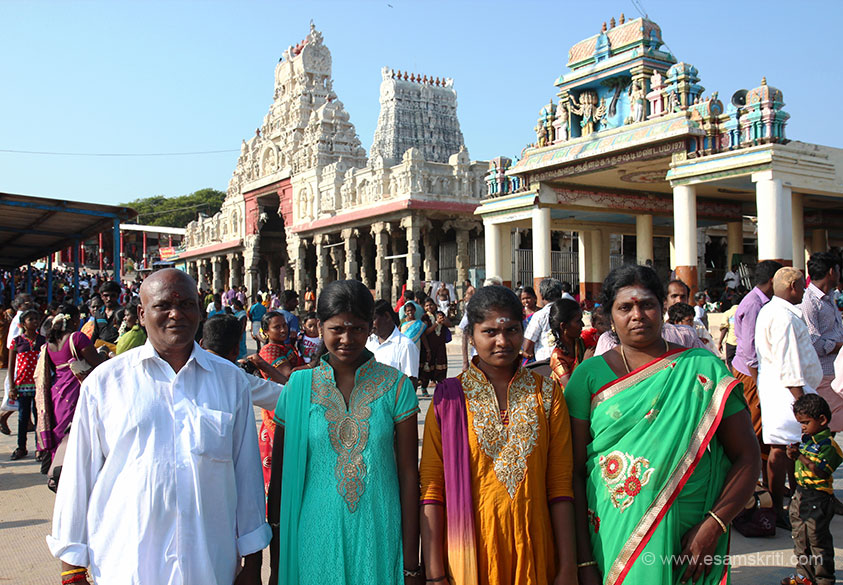 "Devotees. We left Thiruchendur at about 5 pm to reach Thenkasi (Vishwanath Mandir) by 9.30 pm. Driver Velu drove over 300 kms that day. We believe it was Murugan``s kripa - Velu is a stanch Murugan bhakt. To visit temple site <a href=""http://www.tiruchendurmurugantemple.tnhrce.in/