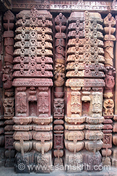 "Sculptured reliefs of Mukteswara Temple, Bhubhneswar ie considered to be a gem of Orissan architecture. To see photos <a href=""http://www.esamskriti.com/photo-detail/Mukteswar-Temple-Bhubhaneshwar.aspx"" target=""_blank"">click here</a>"