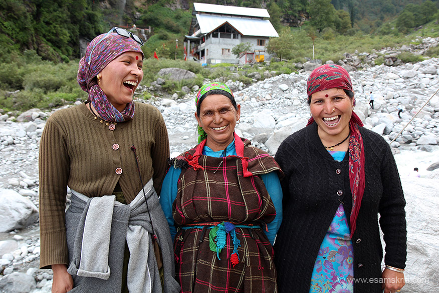 I rank this amongst the best pic in this album. Pic is in Solang Valley close to the Shiv Temple. These ladies dress up tourists in Himachali clothes. Very helpful and friendly.