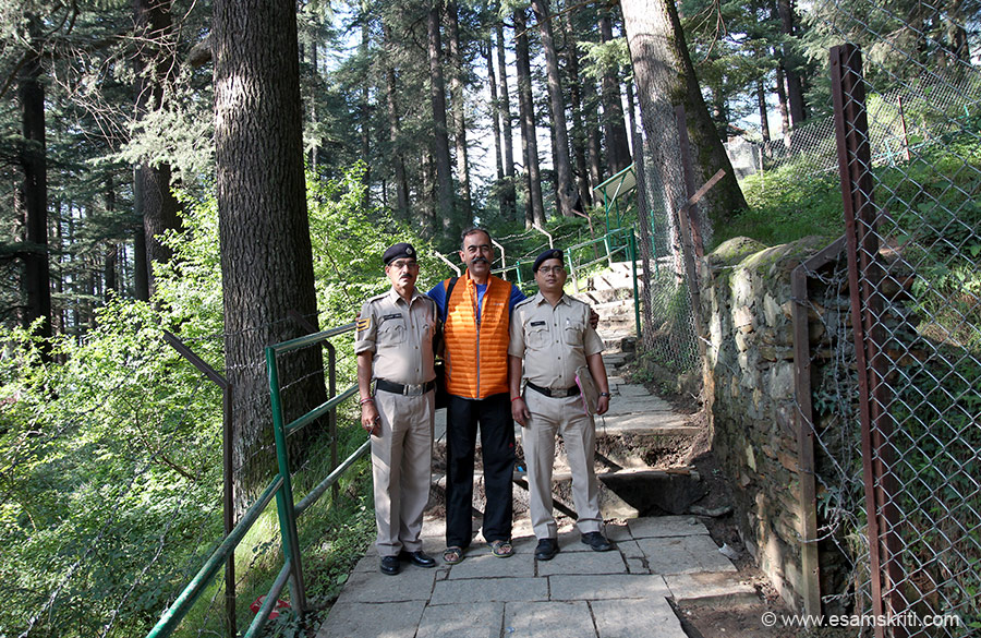 Temple is surrounded by deodar trees. Just walking thru is a pleasure. Met these cops who were going for darshan. Hidimba Mata is worshipped by all communities in Manali.