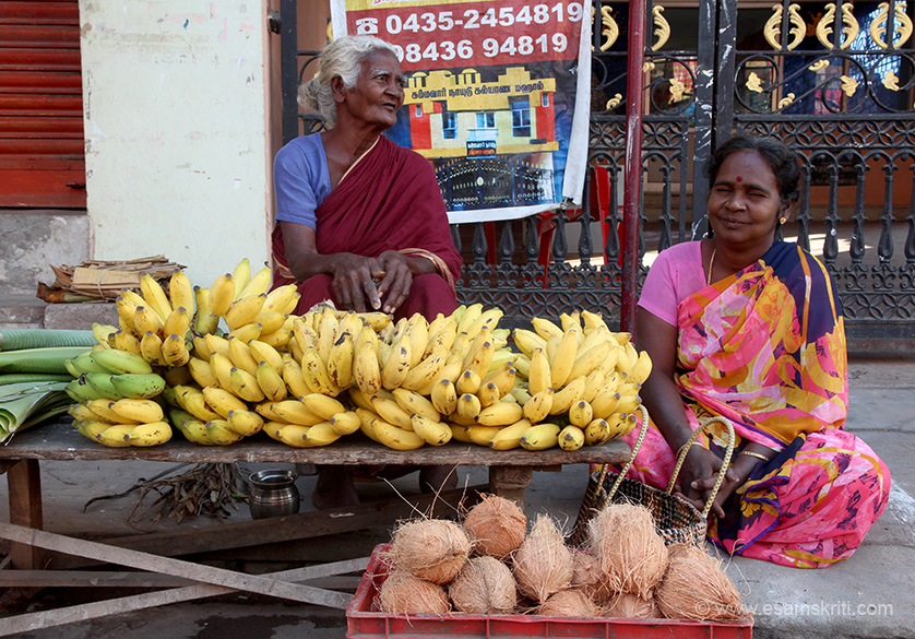 "Coconuts and bananas for sale near entrance. It is called Swaminathaswamy Temple, Swamimalai. Temple 8 kms from Kumbakonam. ""The temple is a very ancient one and is known to have