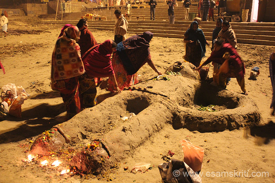 Went to Kashi for the Dev Deepavali Festival i.e. held on Kartik Purnima. Collection of photos is one day before and on Kartik Purnima. Dev Deepavali and Temples of Kashi pic collection is separate. U see women at Assi Ghat paying respects to Bhishma Pithama - time is before sunrise. Next 4 pics are one day before Kartik Purnima.