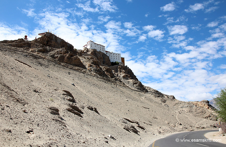 This is the rear side of the monastery, the road is when one drives in from Leh. Look colour of the sky. Pic about 10.30 am. It belongs to the Yellow Hat (Gelujapa sect). It is known for its 