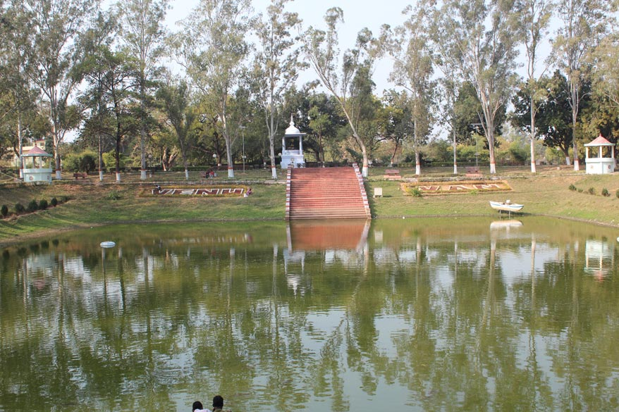 This is the Karandak Nivap tank inside the Venuvana or the forest of Bamboos. It was the royal park gifted to Buddha to make it easier for his devotees to visit him. He passed the 1st raining season 