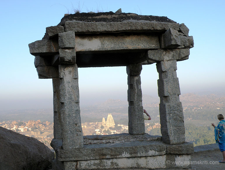 When u walk up from the market to Matanga hill top enroute u this watch point. U see Virupaksha temple through it.