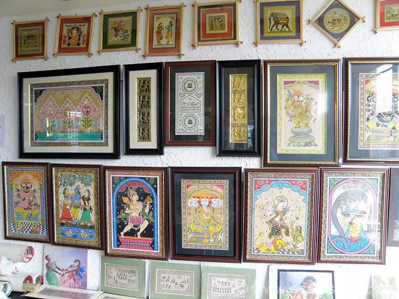 "Pattachitra Paintings displayed on a wall. To see pics of Pattachitra Paintings at the heritage village of Raghurajpur 10 kms away. <a href=""http://www.esamskriti.com/photo-detail/Pattachitra-Paintings-Raghurajpur.aspx"" target=""_blank"">Click here</a>"