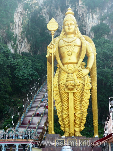 U have to climb 272 steps to reach caves.Lord Muruga (Karthigeya) statue standing majestically..140 feet tall with 250 tonnes of steel bar, 300 liters of gold paint and 1550 cubic meters of concrete.