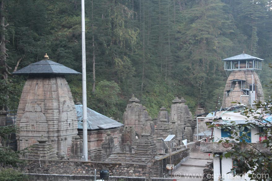Overview of temple complex. Left is Bal Jageshwar temple or Shiva the child. On right is the Mahamrityunjaya temple. In Jageshwar fairs are held during Shivaratri and in the month of 