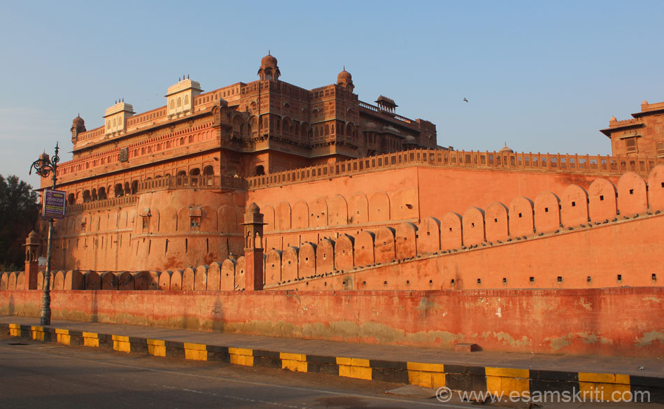 A close up front view of palace. Red sandstone looks very different when rising sun rays fall on it. In this palace is the Durbar Hall whose pics are a must see, presented in part 2 of 