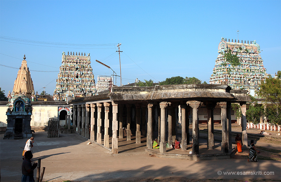 "Mandapam that takes you to the main temple. There are 5 tanks inside the temple ""Karunyamirdha Theertham, Soma Theertham, Kanaga Theertham, Kalyana Theertham and Iravatha Theertham.""