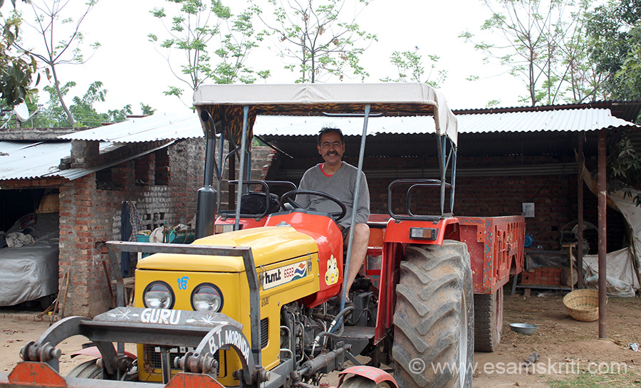 Another lifeline for the farm is the Tractor. Farm is owned by former army subedar Shri Sharma whom u shall see later. Also has a car ie parked on the farm.
