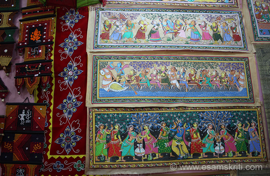 Paintings and on your left wall hangings. I wanted to visit a village where work is done but every shopkeeper thought I wanted to buy cheap so did not give proper directions. Pipli is