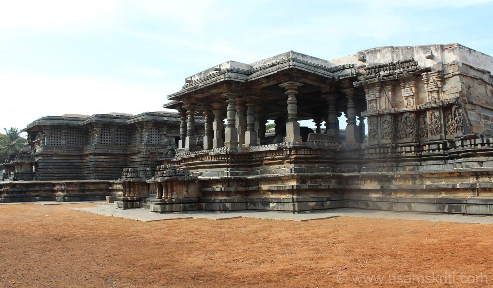 View from south eastern side. Extreme right of pic is Surya temple ie behind mantapa 2. Note that eastern side of temple has panels at lower level and then holes to allow sunlight to enter sanctum.