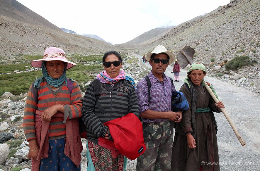 Ace driver Nawang took a different route via Votula Pass (hope got name correct), village Sakthi and then Changla. Before Votula Pass met some locals who were there for road repair.