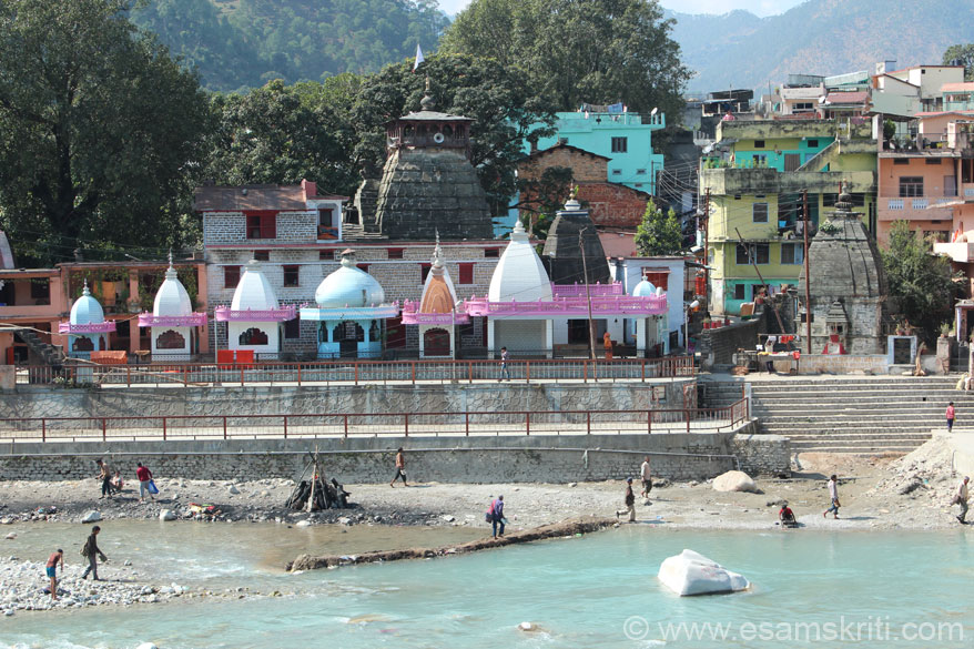 A view of the Bagnath Temple from the other side of the river. I last visited Bageshwar in 1989 and could not believe it is the same place.