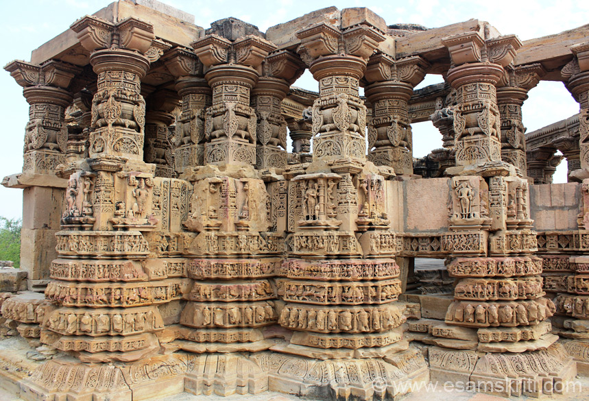 We started with showing overview of temple, side view now see close up view of pillars as seen from outside. Admire the intricate work. Kiradu was once a very prosperous and populated