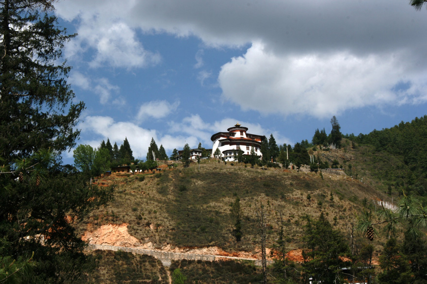 This is Paro Rinpung Dzong, built in 1646. It overlooks the Paro valley. A Dzong is specific to Bhutan. It is part an ancient fortress cum palace. It is part a monastery of sorts, since monks also live inside a Dzong. And now, a Dzong is also the administrative headquarters.