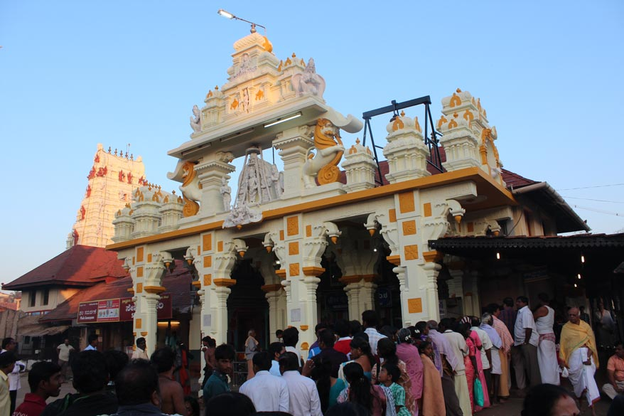 Entrance to the temple with devotees standing in a line. I started my yatra from Udupi. Reached from Mumbai at 6am and headed straight to the temple.