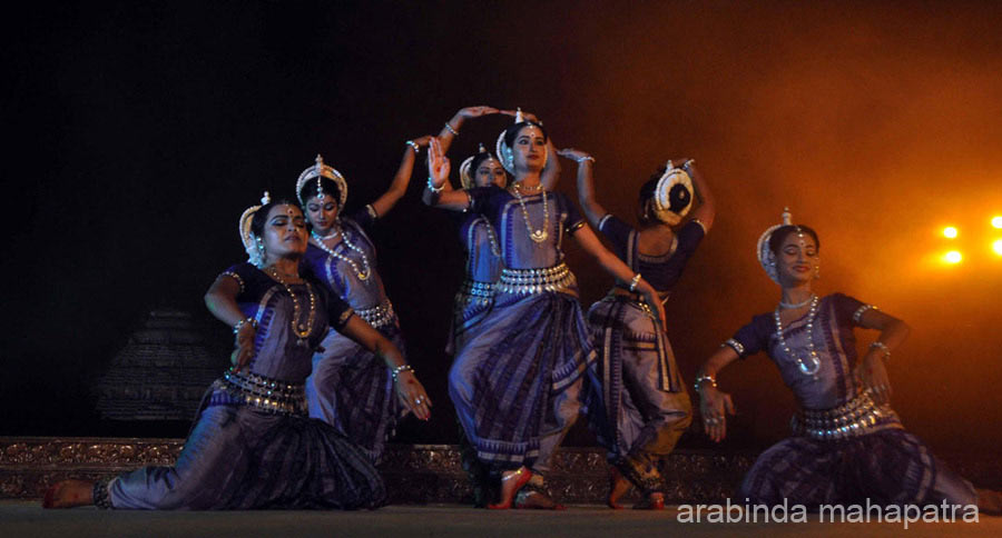 Next dance was Yugmadwanda Pallavi, a pure dance based on ``Rag Bageshree``.