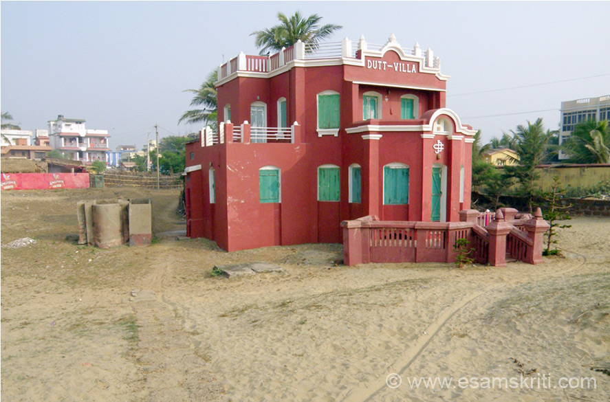 "All along the Puri Beach found only hotels. Enroute to Totapuri Ashram saw Dutt Villa. Gave me an idea of what Puri beach was in the good old days. To know about Karar Ashram <a href="" http://www.kararashram.org/index.php"" target=""_blank""> Click here</a>"