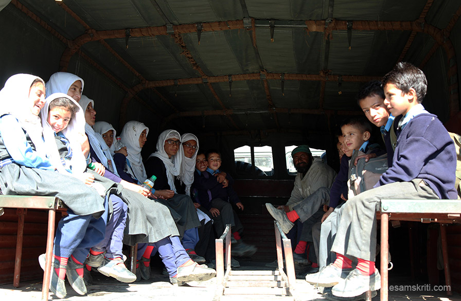 We left Drass for Kargil about 8.30 am. It was time kids were going to school. Enroute saw this Army truck, now school bus, ferrying kids to school. Reminded me of our days - these kids look so happy going to school, we rarely did.