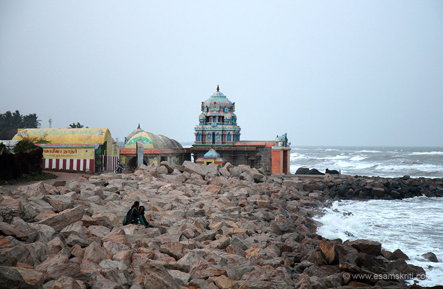 This is the 14th century Masilamaninathar (Pandya) Temple on sea shore. It is an old Shiv Mandir that is being damaged by the sea. Behind it is a new Shiv Mandir that we visited too.
