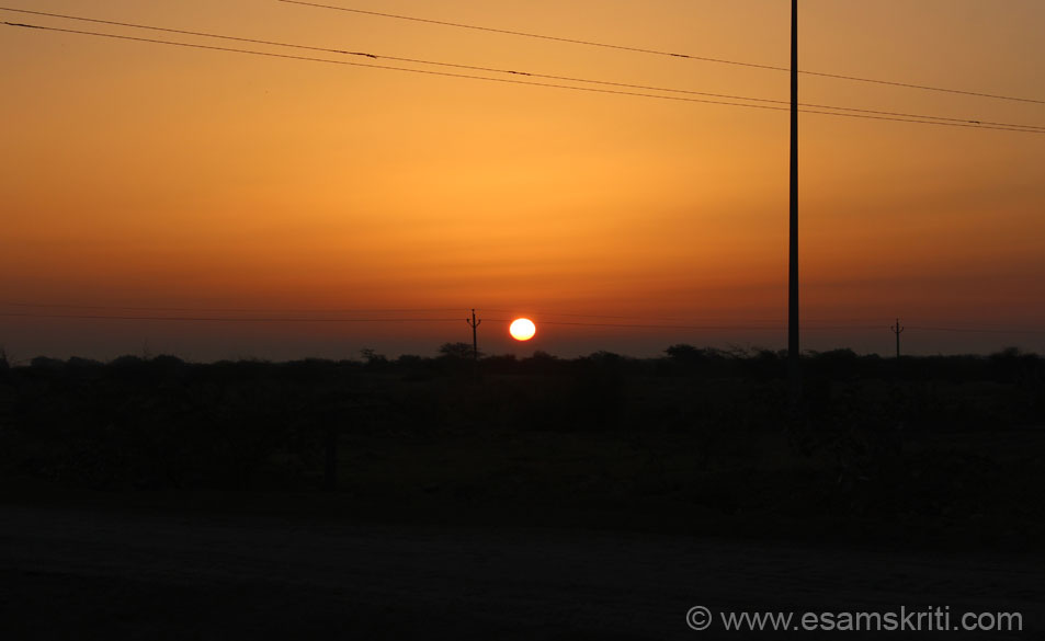 Sun rise enroute to Ghantyali Mandir/Tanot. It is a super drive from Jaisalmer to Tanot. Distance of 120 kms was covered in slightly over 2 hours. Mid Feb morning time was great 