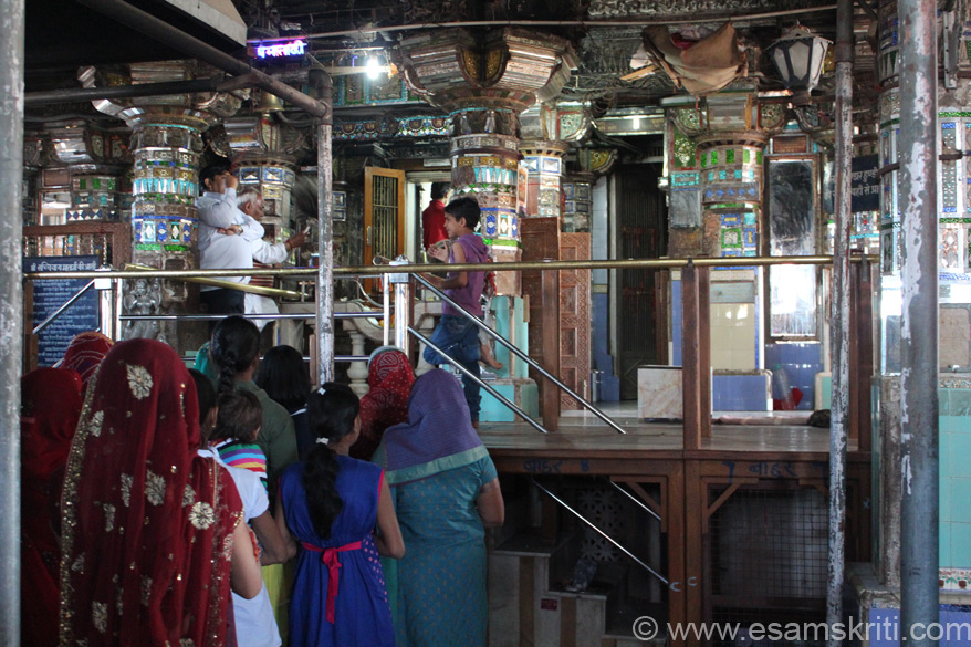 Inside the main temple. Glass mirrors everywhere. Went at 8am so not too much rush, was told it gets crowded during the day with both tourists and devotees. The Garbh Griha (sanctum sanctorum) and Sabha Mandap (prayer portico) are artistically built. The original hall is 9.50 meters wide.
