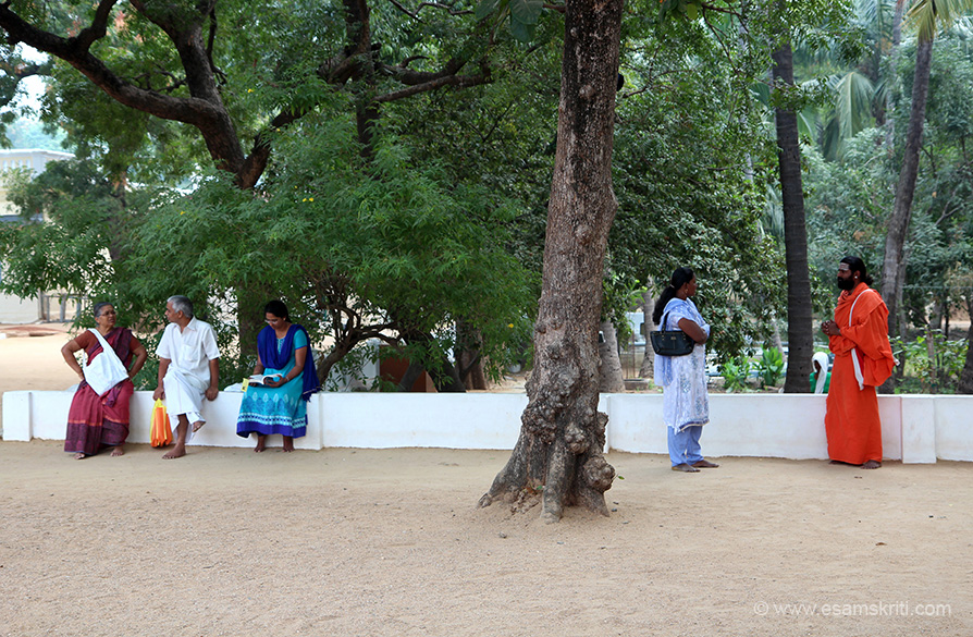 A Sadhu and devotee in deep conversation. As I said there is something amazing about the ashram. It was Shanti Shanti Shanti all around. Felt Ramana Maharshi``s presence everywhere.