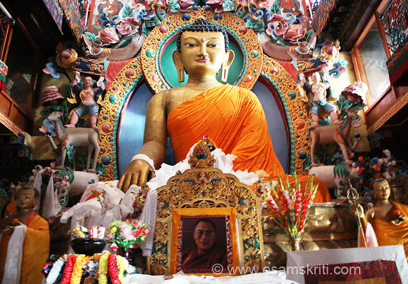 A close up of Lord Buddha image. Tawang Valley is an important seat of Mahayana Buddhism. The monastery also has a collection of gold lettered Buddhist scriptures, great rotating prayer wheels, an assembly hall, a library, a school for monks, a community kitchen, a museum, ritual vessels and Tangkhas paintings.