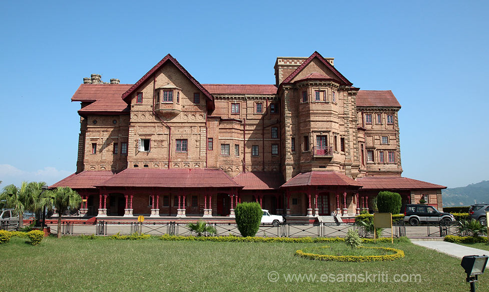 "A front view of the Palace. Palace built in red sandstone and red bricks. To read about Amar Mahal Palace and Library  <a href=""http://www.karansingh.com/amml/build.htm"" target=""_blank"">Click here</a>"